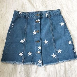NWT Sans Souci denim skirt with star embroideries